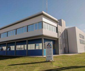 Acto de inauguración del Centro Tecnológico Metalúrgico (CETEM)