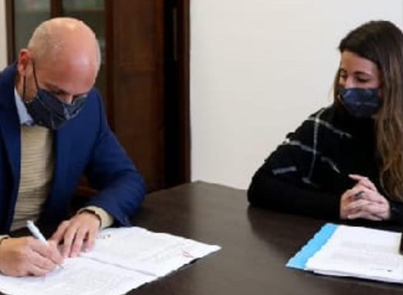 Se firma el convenio entre el «Programa de Competitividad de Economías Regionales» (PROCER) y la CAEHFA.